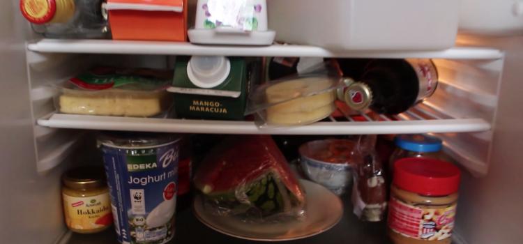Wir teilen unseren Kühlschrank, und Ihr?